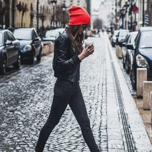 🌟TRENDING🌟Urban Outfitters BDG red beanie